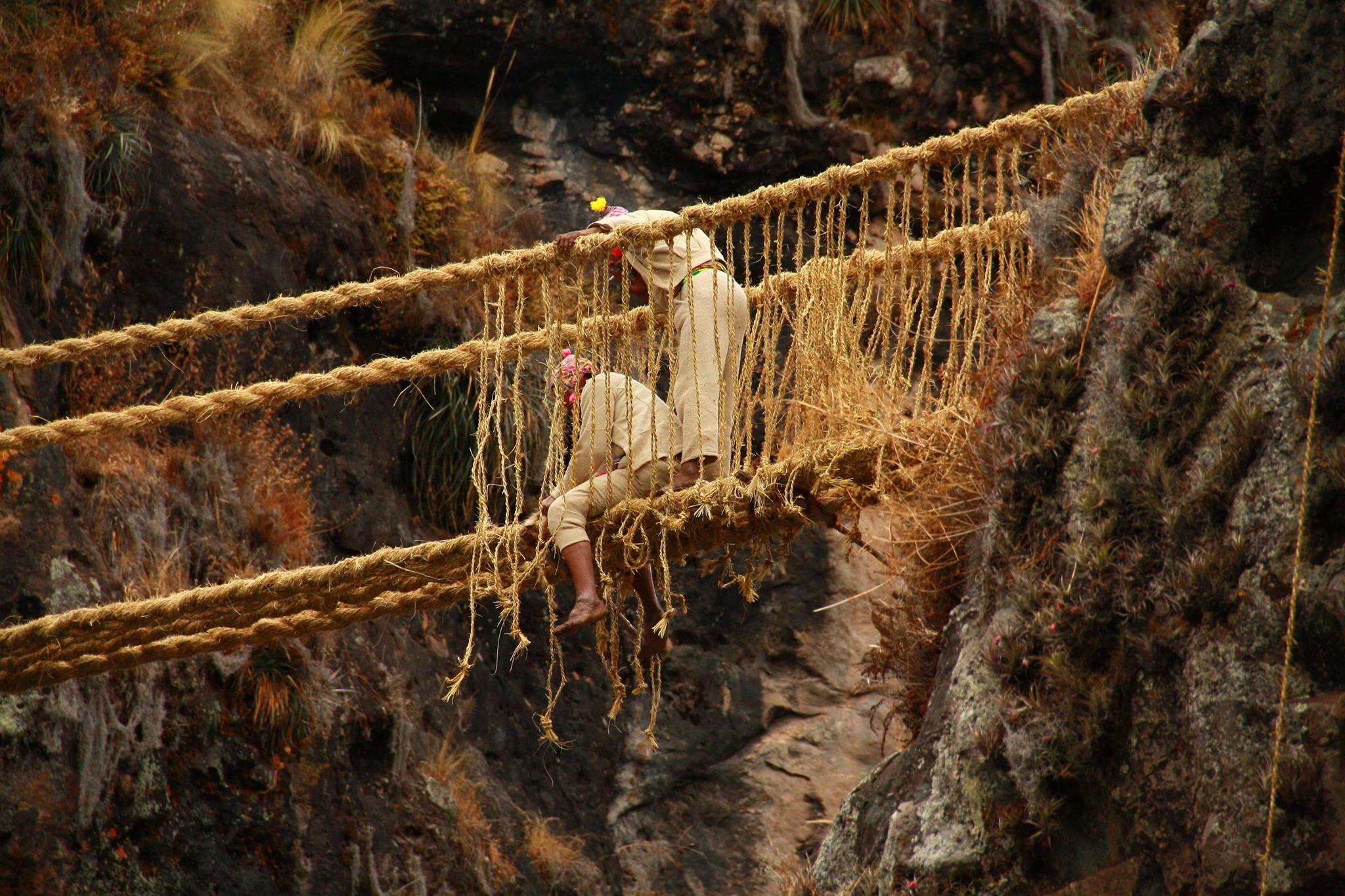 церемония обновления моста Кесуачака (Q'eswachaca)