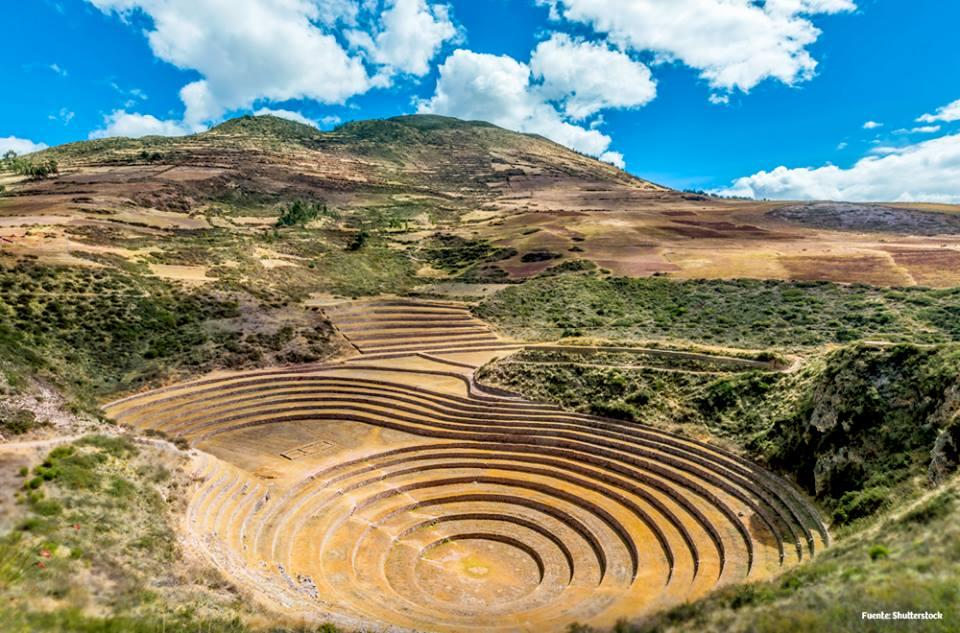 Sacred Valley of the incas tour: Moray and Maras