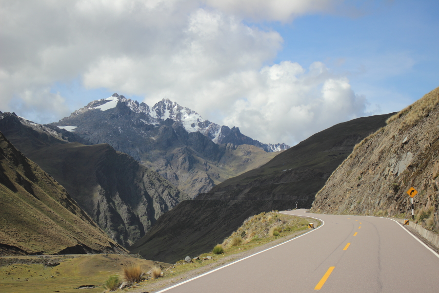Дорога в Мачу-Пикчу: из Куско к Hidroelectrica (Гидроэлектрика)