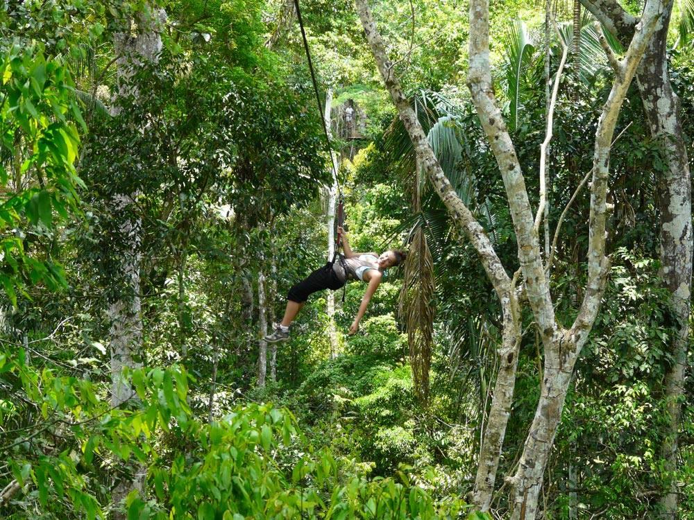Канатная дорога в джунглях Амазонии