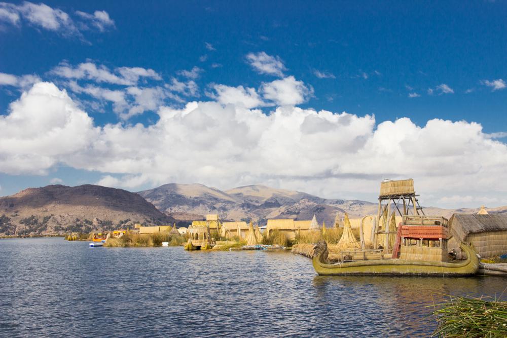 Острова Урос на озере Титикака / Uros, Titicaca